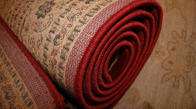 Como usar tapetes na decoração