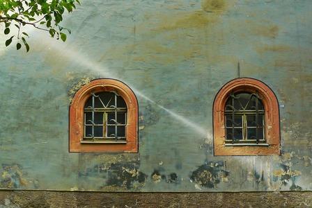 Como recuperar paredes e rodapes com infiltracao